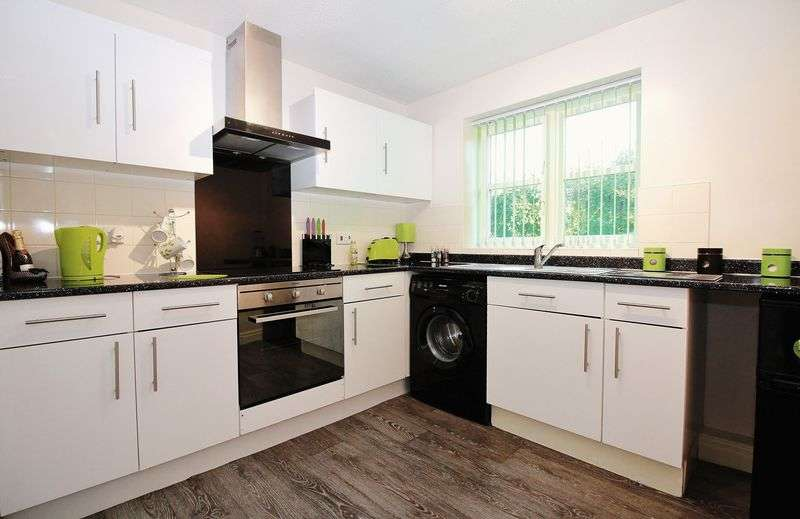 1 Bedroom Flat for sale in 2 Parbold Close, Little Carleton, Blackpool, Lancs FY3 7SB