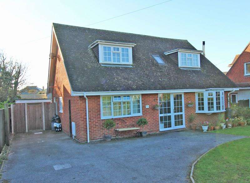 4 Bedrooms Property for sale in Gillingham Road, Milford On Sea, Lymington
