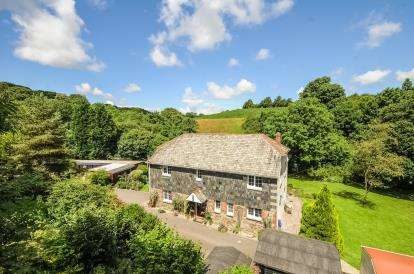 4 Bedrooms Detached House for sale in Wadebridge, Cornwall