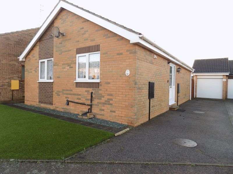 2 Bedrooms Detached Bungalow for sale in Potters Drive, Hopton, Great Yarmouth