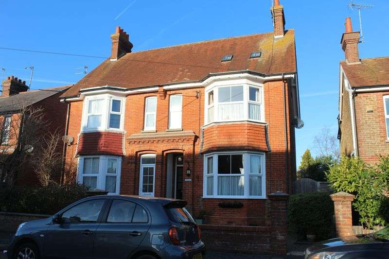4 Bedrooms Semi Detached House for sale in Gloucester Road, Burgess Hill
