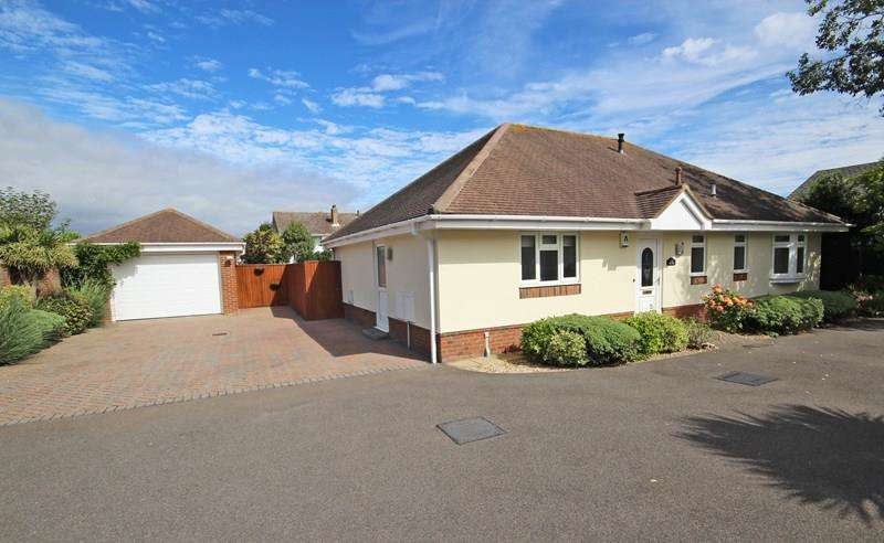 3 Bedrooms Detached Bungalow for sale in Park Close, Barton On Sea, New Milton