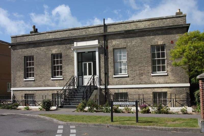 2 Bedrooms Apartment Flat for sale in Pavilion Way, St. George's Barracks, Gosport