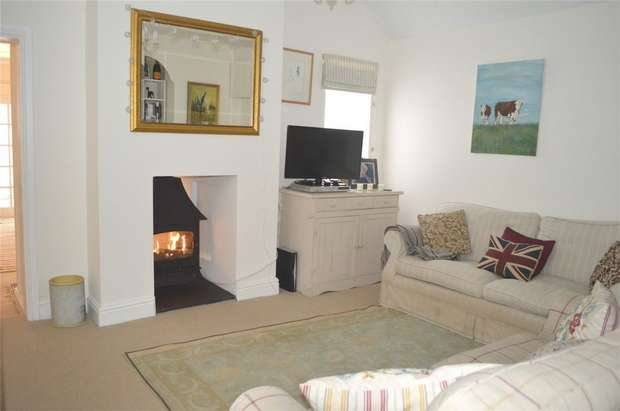 3 Bedrooms Cottage House for sale in Haymore Thatch, Church Road, Lympstone, Lympstone, Devon