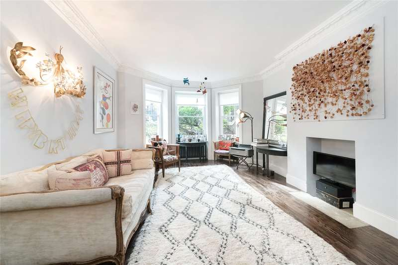 4 Bedrooms Flat for sale in Sutherland House, Marloes Road, London, W8
