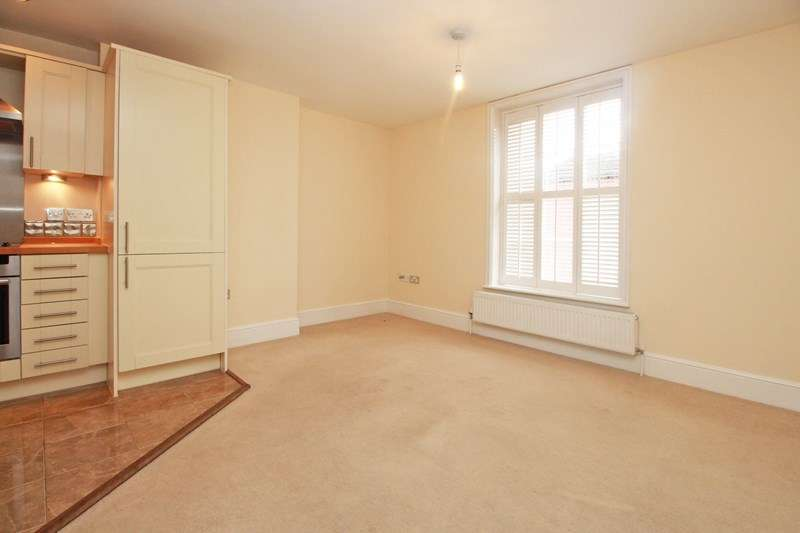 2 Bedrooms Flat for sale in Purewell, Christchurch