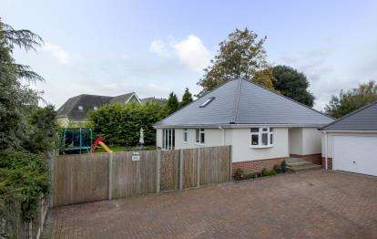 3 Bedrooms Bungalow for sale in Northbourne, Bournemouth, Dorset
