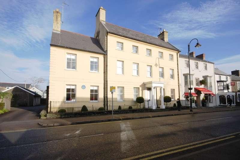 2 Bedrooms Maisonette Flat for sale in Woodstock House, High Street, Cowbridge, Vale of Glamorgan, CF71 7AF