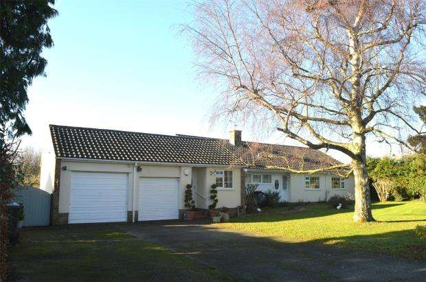 4 Bedrooms Detached Bungalow for sale in Old Barn Lane, Hatch Beauchamp, Taunton, Somerset