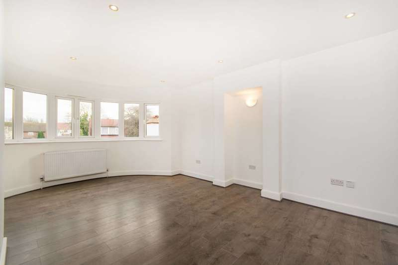 2 Bedrooms Flat for sale in Woodside Green, Croydon, SE25