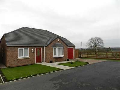 2 Bedrooms Detached Bungalow for sale in Thomas Drive, Off Jacobs Hall Lane, Great Wyrley