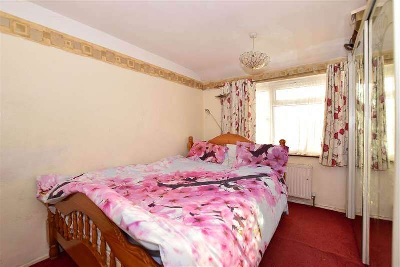 3 Bedrooms Semi Detached House for sale in Darenth Road, Welling, Kent