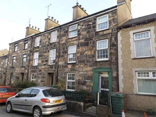 4 Bedrooms Terraced House for sale in Stryd Y Ffynnon, Nefyn, Pwllheli, Gwynedd