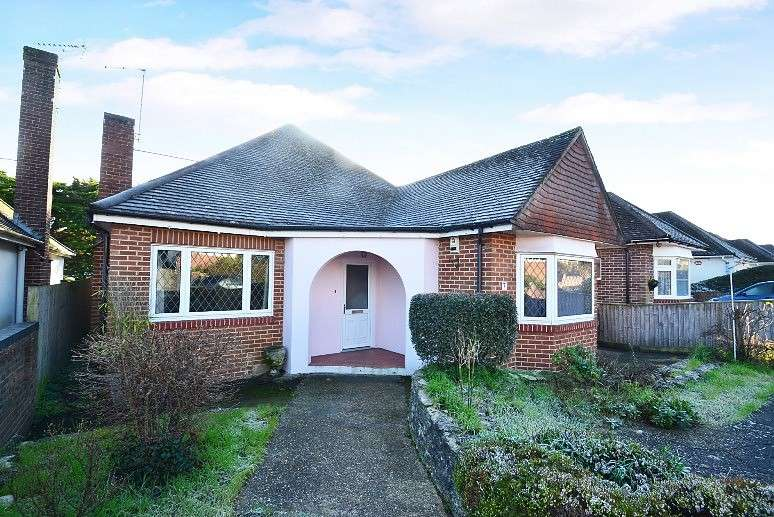 2 Bedrooms Detached Bungalow for sale in Queens Park