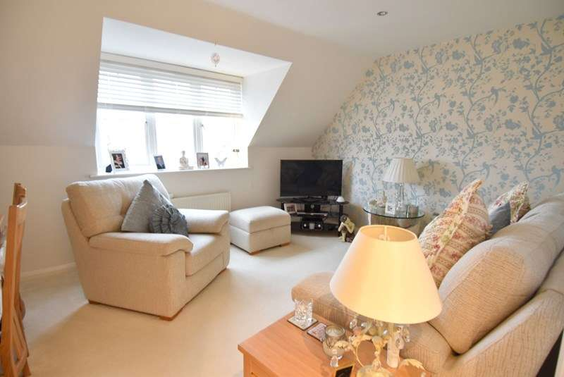2 Bedrooms Flat for sale in St. Andrews Road, Droitwich