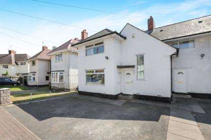 3 Bedrooms Semi Detached House for sale in Buckley Road, Off Warstones Road, Wolverhampton, West Midlands