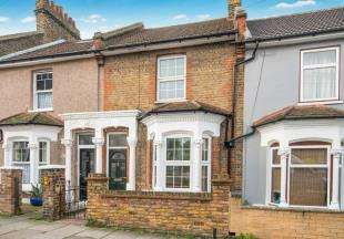 3 Bedrooms Terraced House for sale in Great Queen Street, Dartford, Kent