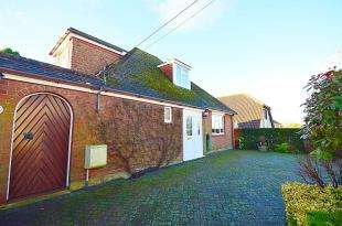 3 Bedrooms Detached House for sale in Church Hill, Shepherdswell, Dover, Kent