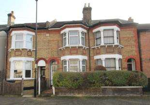 3 Bedrooms Terraced House for sale in Kemble Road, Croydon