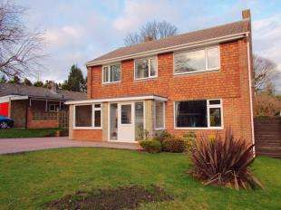 4 Bedrooms Detached House for sale in Hazling Dane, Shepherdswell, Dover, Kent