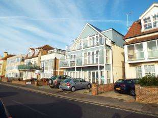 1 Bedroom Flat for sale in Pavilions, 3 Marine Drive West, Bognor Regis