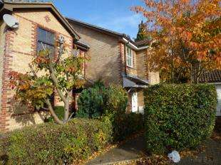 3 Bedrooms Semi Detached House for sale in Morris Close, Shirley, Croydon, Surrey
