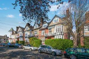 1 Bedroom Flat for sale in Madeira Park, Tunbridge Wells, Kent