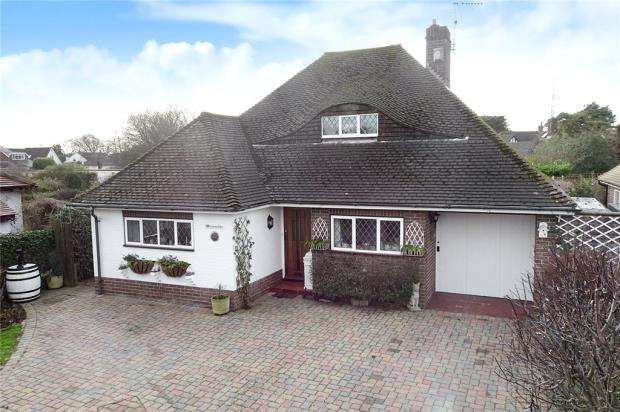 2 Bedrooms Detached Bungalow for sale in Station Road, Rustington, West Sussex, BN16