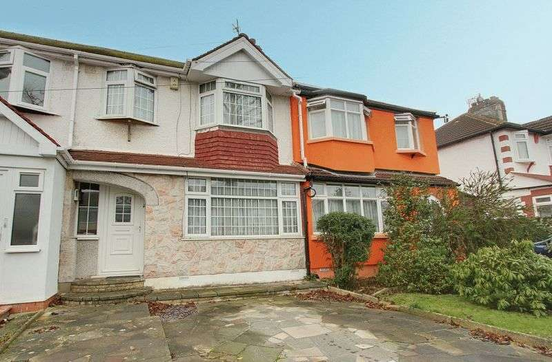 3 Bedrooms Terraced House for sale in Empire Road, Greenford