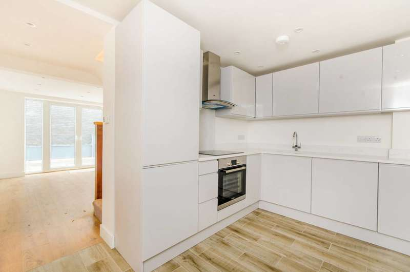 1 Bedroom Flat for sale in Hackney Road, Shoreditch, E2