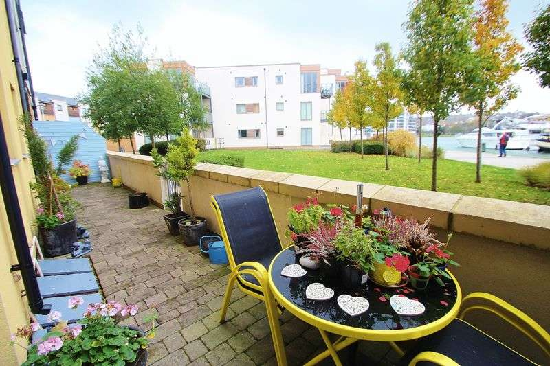 2 Bedrooms Flat for sale in Merchant Square, Portishead