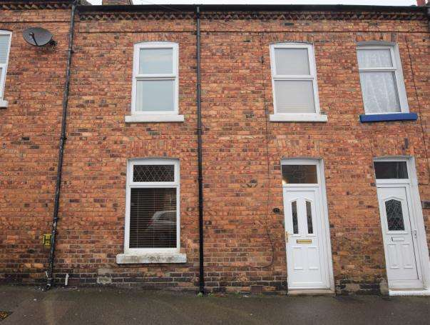 3 Bedrooms Terraced House for sale in Hampton Road, Scarborough, North Yorkshire, YO12 5PX