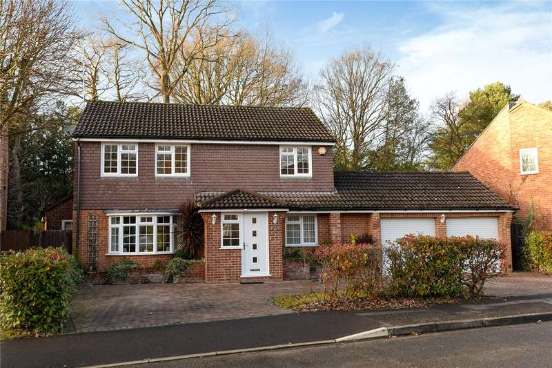 4 Bedrooms Detached House for sale in Abingdon Road, Sandhurst, Berkshire, GU47