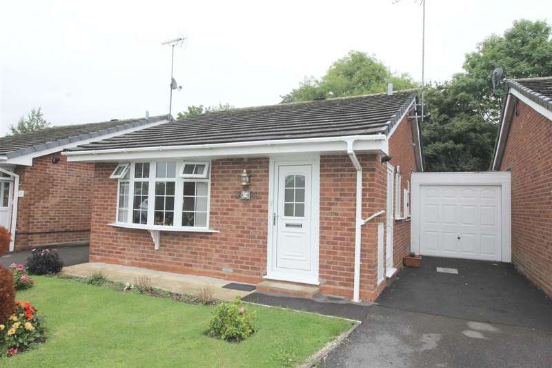 2 Bedrooms Property for sale in Hollyberry Close, Winyates Green, Redditch
