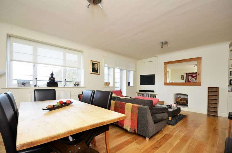 3 Bedrooms Flat for sale in Portsmouth Road, Surbiton, KT6