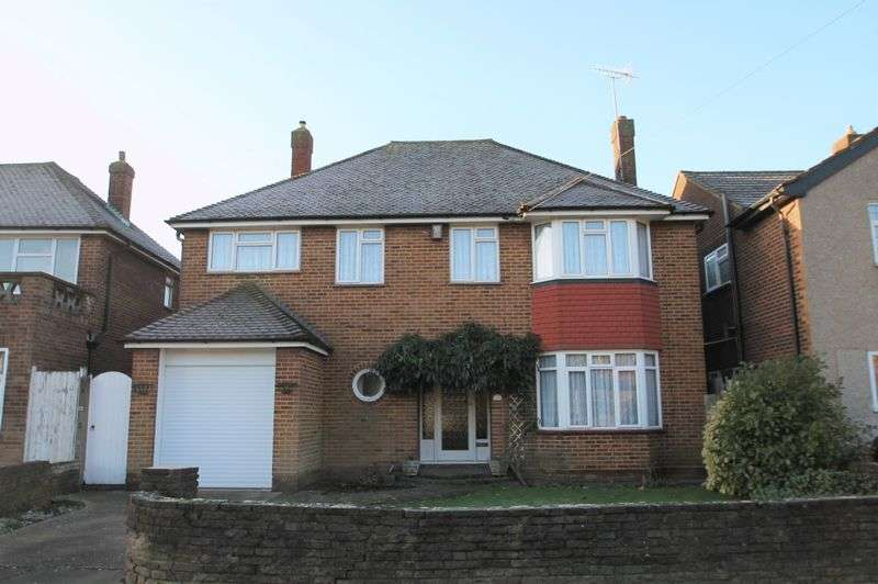 4 Bedrooms Detached House for sale in Doncaster Drive, Northolt,