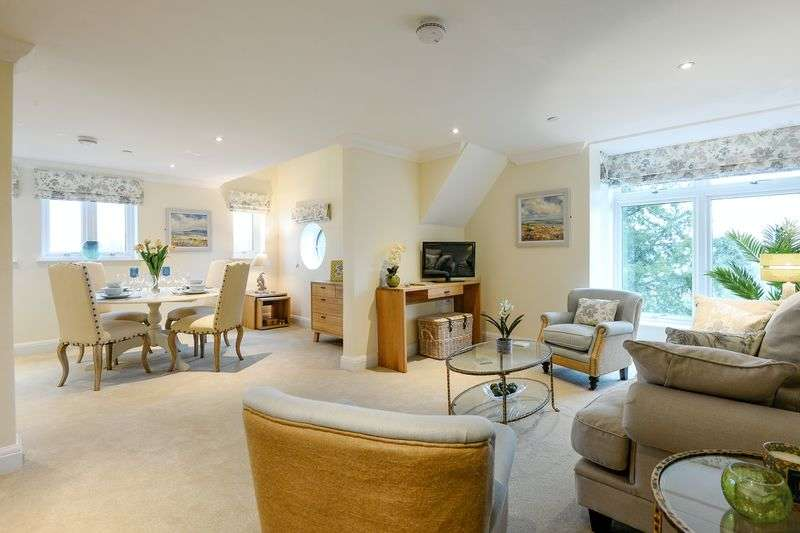 2 Bedrooms Flat for sale in FLEUR-DE-LIS, HAYWARDS HEATH: **BRAND NEW TWO BED LUXURY APARTMENT WITH MEZZANINE AND DINING ROOM**