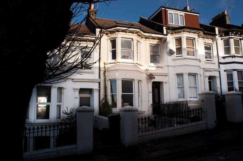 2 Bedrooms Flat for sale in Ditchling Rise, Brighton