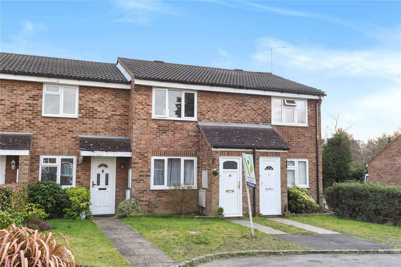 2 Bedrooms Terraced House for sale in Cherrytree Close, Heath Park, Sandhurst, Berkshire, GU47