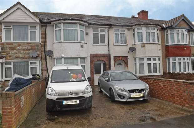 4 Bedrooms Terraced House for sale in Hatton Road, Feltham, Greater London