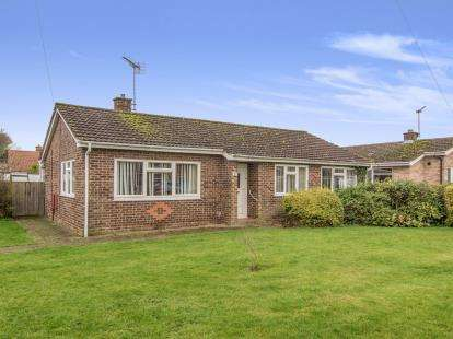 3 Bedrooms Bungalow for sale in Swaffham
