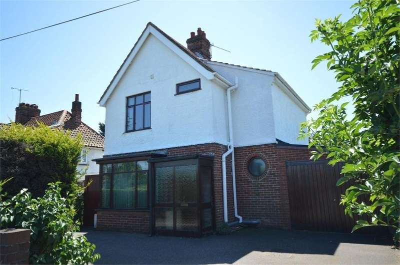 3 Bedrooms Detached House for sale in Dereham Road, Norwich