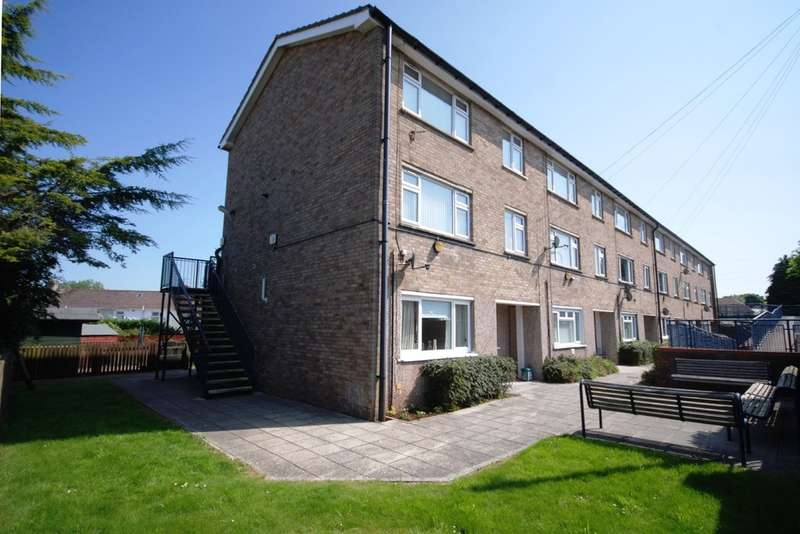 3 Bedrooms Maisonette Flat for sale in Cae Stumpie, Cowbridge, Vale of Glamorgan, CF71 7DL