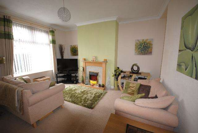 2 Bedrooms Property for sale in Walthew Lane, Platt Bridge