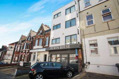 1 Bedroom Flat for sale in Cardiff Road, Luton, Bedfordshire