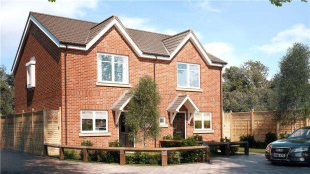 2 Bedrooms Semi Detached House for sale in Allen Road, Sunbury-On-Thames, Surrey