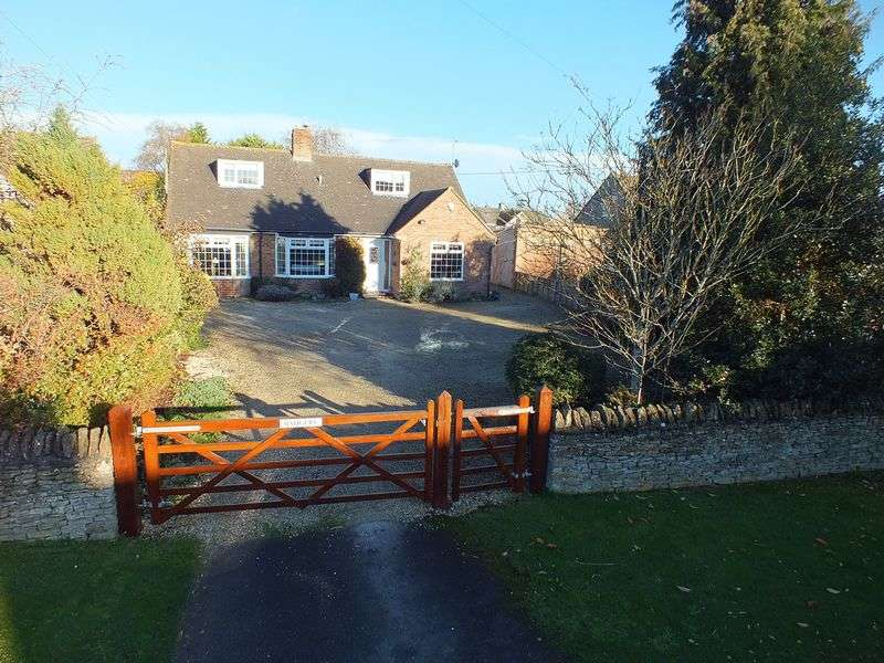 4 Bedrooms Detached House for sale in Pond Hill, Stonesfield