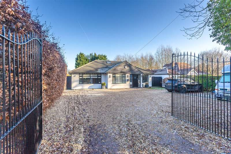 5 Bedrooms Detached House for sale in Leas Road, Warlingham, Surrey, CR6