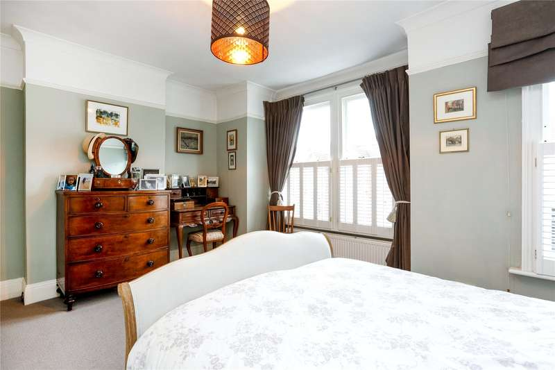 3 Bedrooms Terraced House for sale in Aldren Road, London, SW17