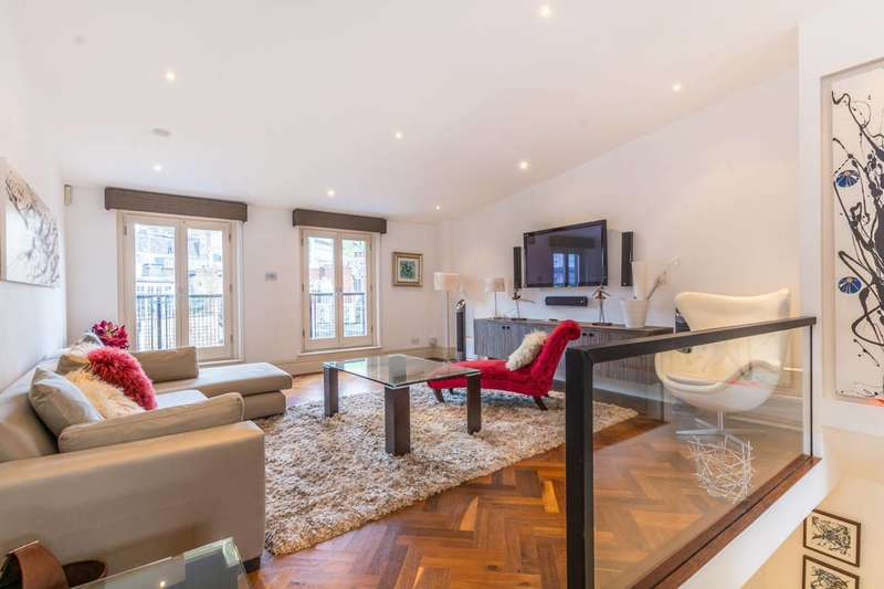 2 Bedrooms Maisonette Flat for sale in Shorts Gardens, Covent Garden, WC2H